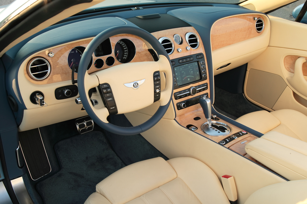 Bentley Continental GTC: 4 фото