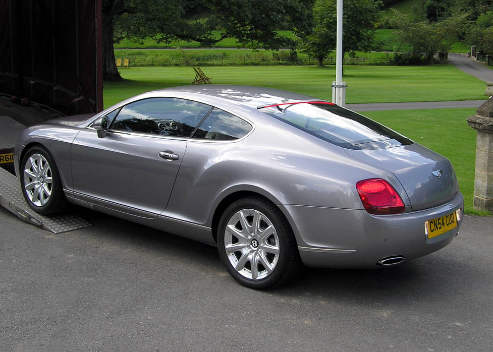 Bentley Continental GTC: 8 фото