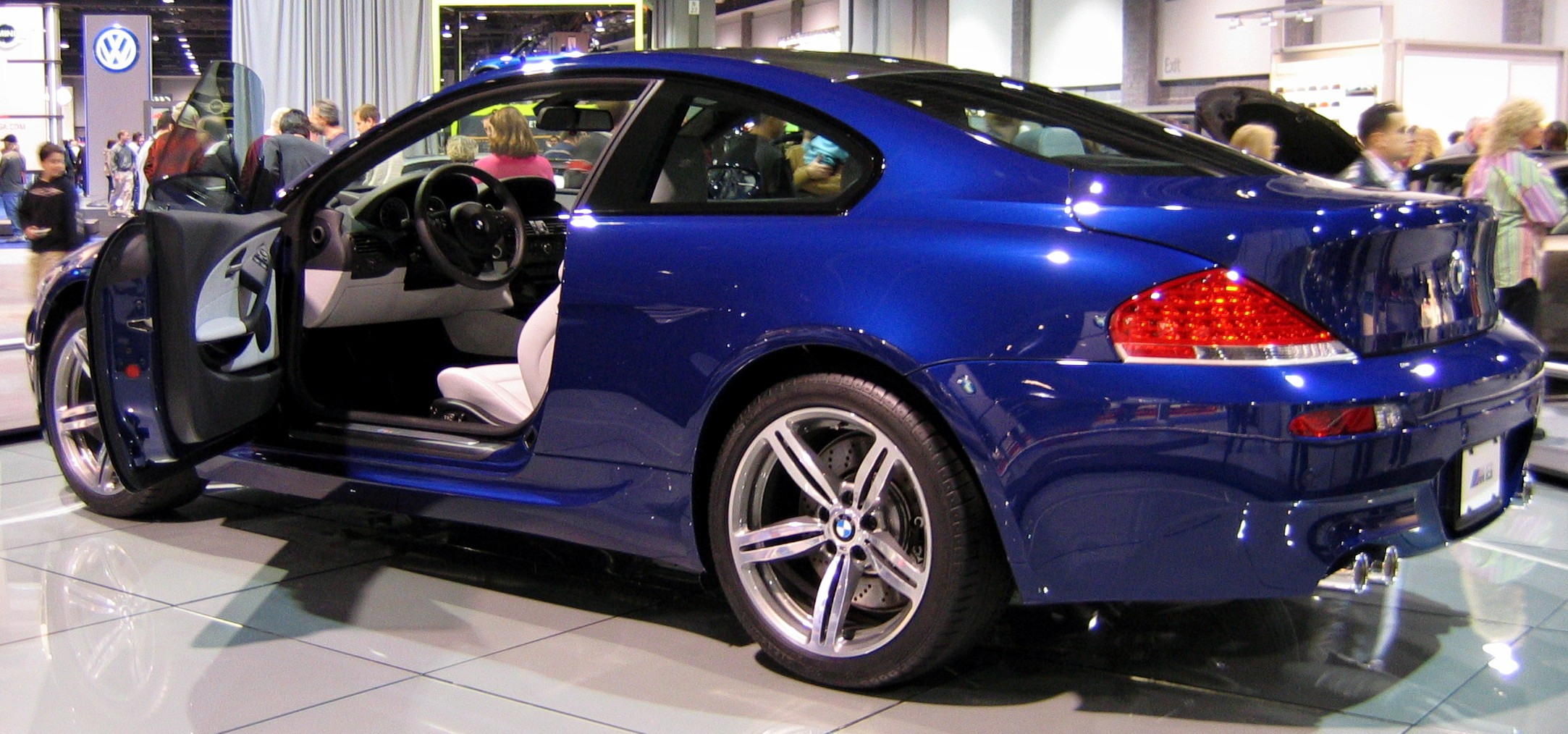 BMW M6 Coupe: 10 фото