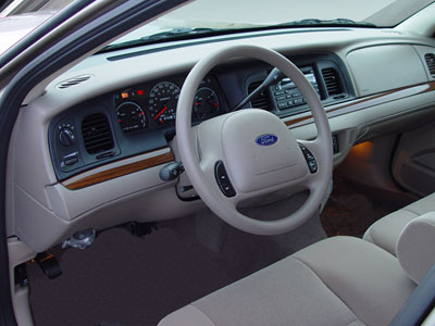 Ford Crown Victoria: 08 фото