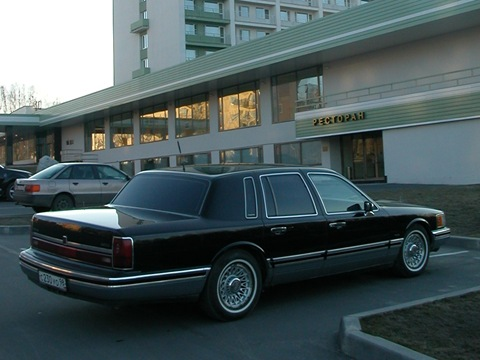 Lincoln Town Car II: 03 фото