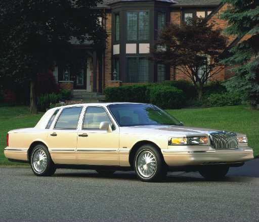 Lincoln Town Car II: 11 фото